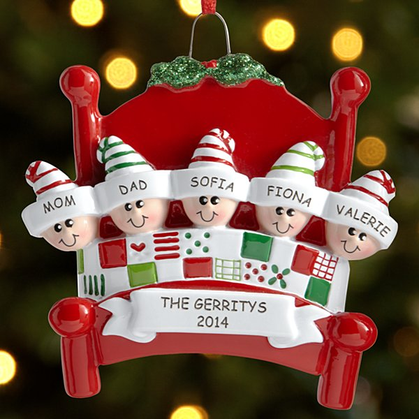Snuggle up family ornament for Personalised christmas decorations