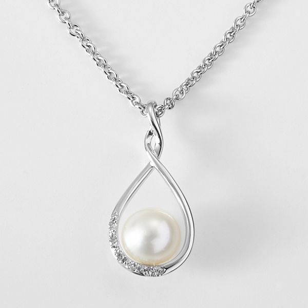 Infinite Pearl and Diamond Necklace