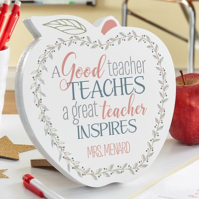 What Makes A Great Teacher Mini Wood Apple