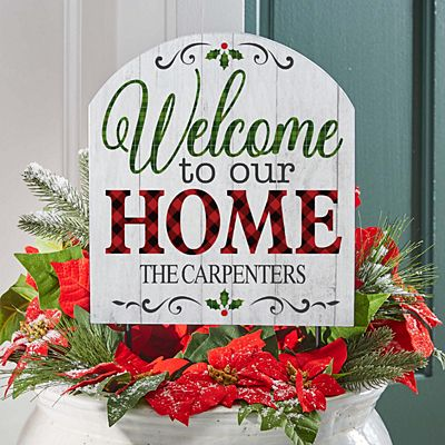 Holiday Welcome Wooden Outdoor Sign