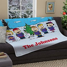 PEANUTS® Christmas Caroling Plush Blanket