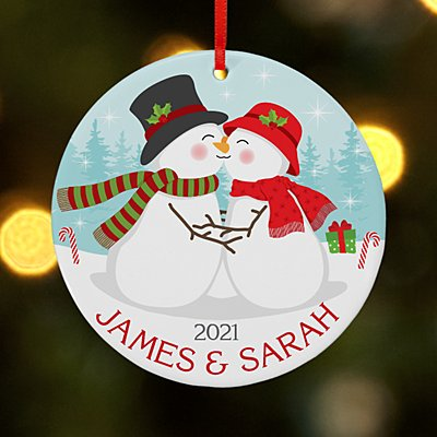 Smooching Snowmen Round Ornament