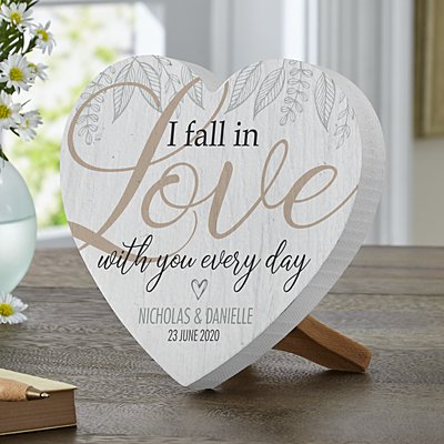 Falling in Love Mini Wooden Heart